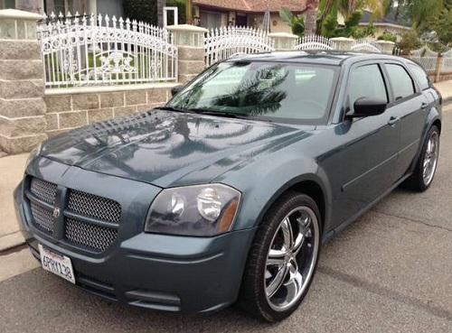 2006 Dodge Magnum Hatchback Silver For Sale in Inland