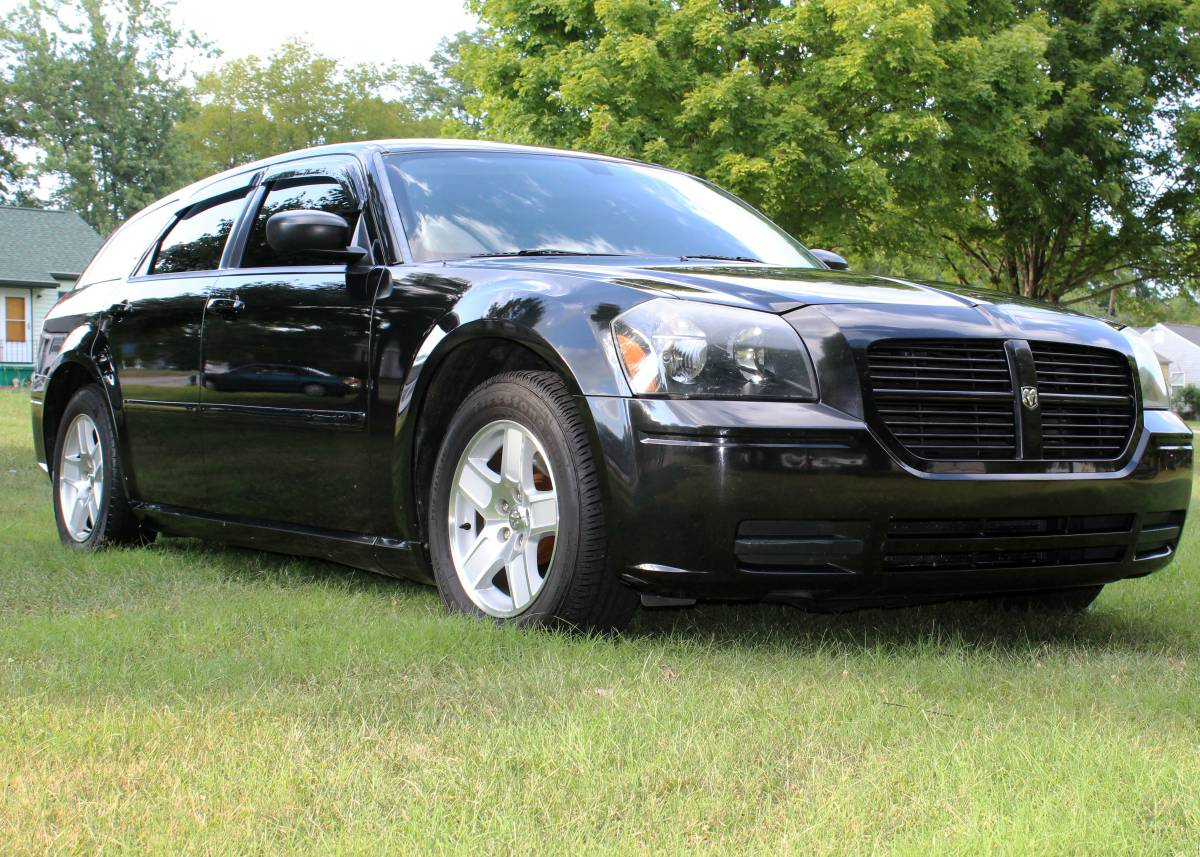 2006 dodge magnum wagon v6 for sale in knoxville tennessee. Black Bedroom Furniture Sets. Home Design Ideas