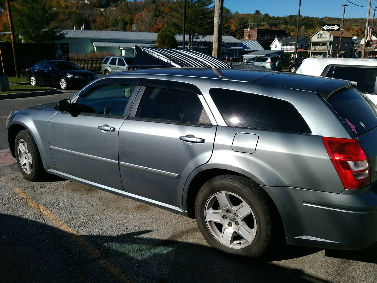 2007 dodge magnum wagon v6 for sale in barre city vermont. Black Bedroom Furniture Sets. Home Design Ideas